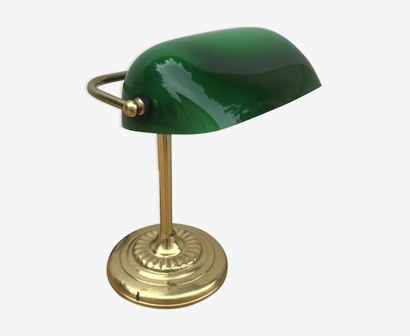 ancienne lampe de banquier en laiton abat jour en opaline vert m tal vert art d co e7vmfsv. Black Bedroom Furniture Sets. Home Design Ideas