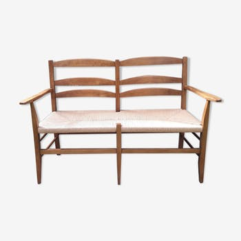 Wood and straw Picard bench