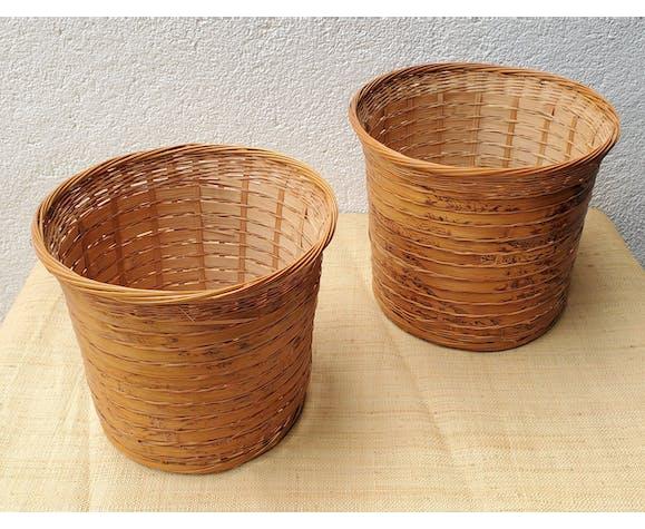 Pair of rattan planters 80
