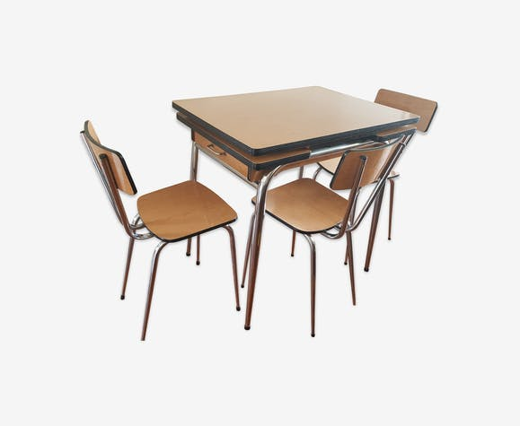 Table formica avec 3 chaises