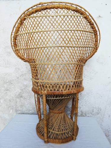 Children's peacock armchair