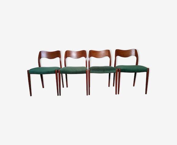Suite de 4 chaises Moller, années 70