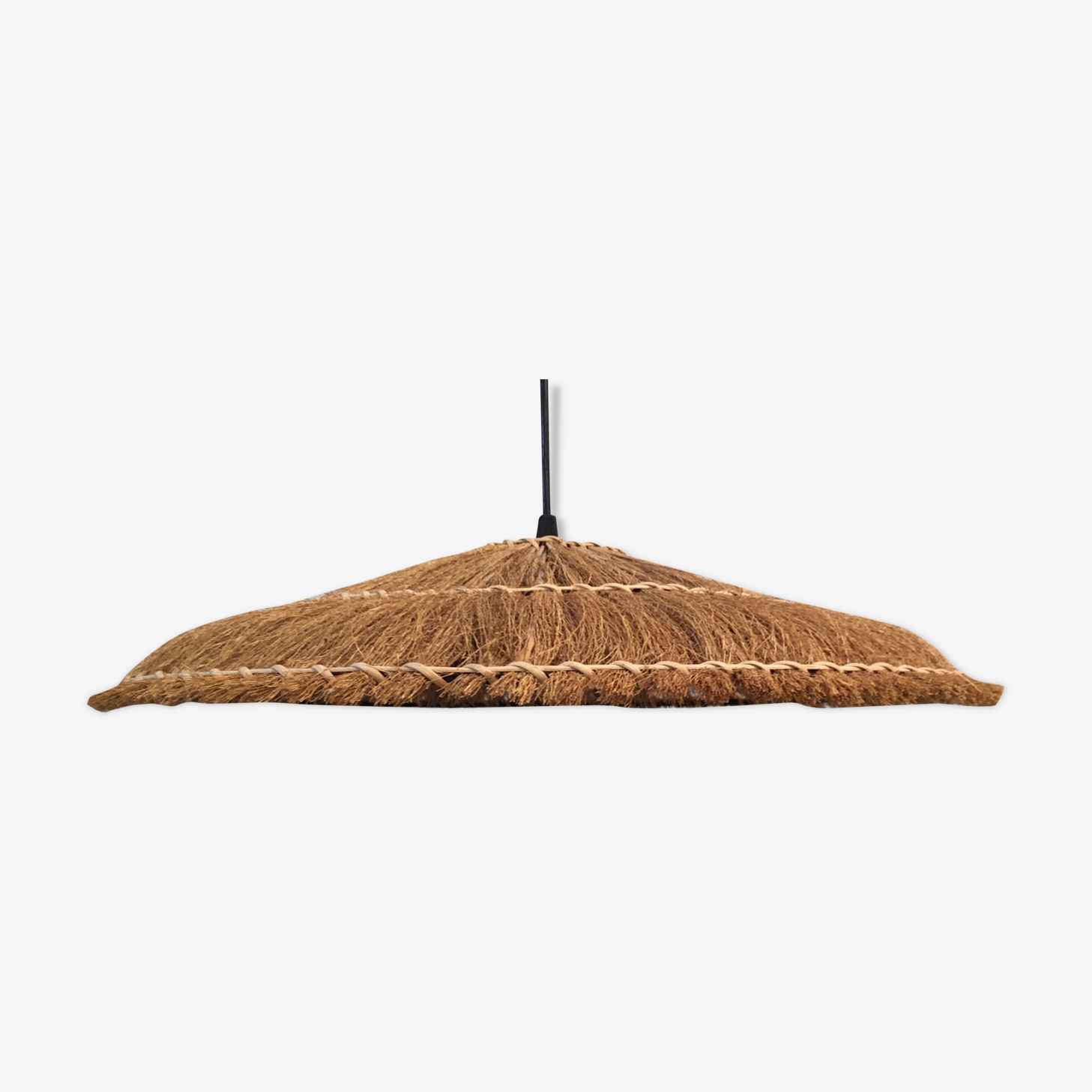 Hanging lamp of straw and wicker