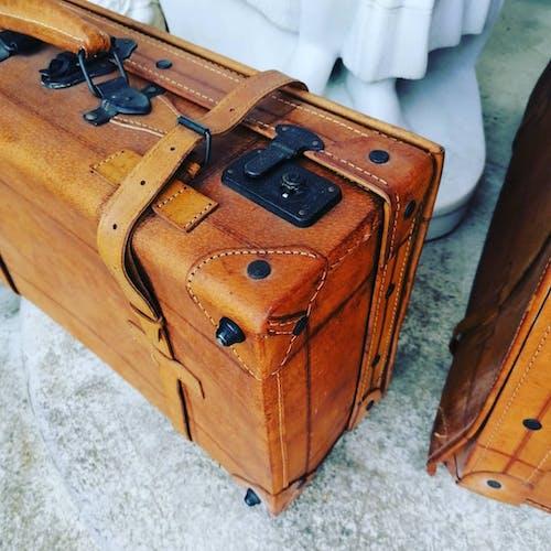 Valises en cuir vintage année 50