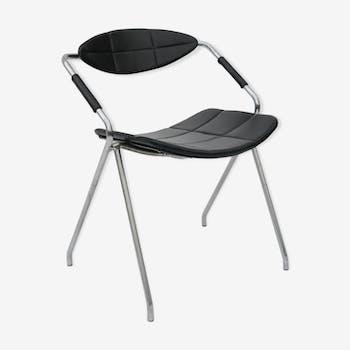 Chaise design Gilbert Steiner