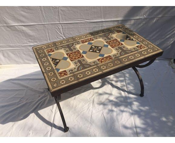 Table basse en carreaux de ciment