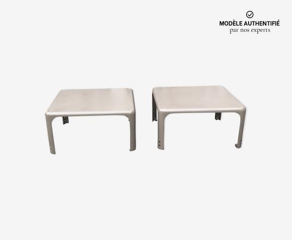 Paire de tables Demetrio 45  par Vico Magistretti pour Artemide années 1960