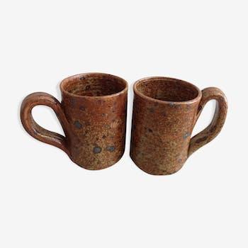 Lot de mugs en grés
