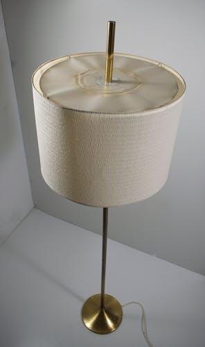 Lampadaire en laiton des années 60