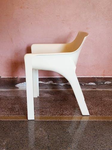 Paire de fauteuils Gaudi par Vico Magistretti pour Artemide, années 1970