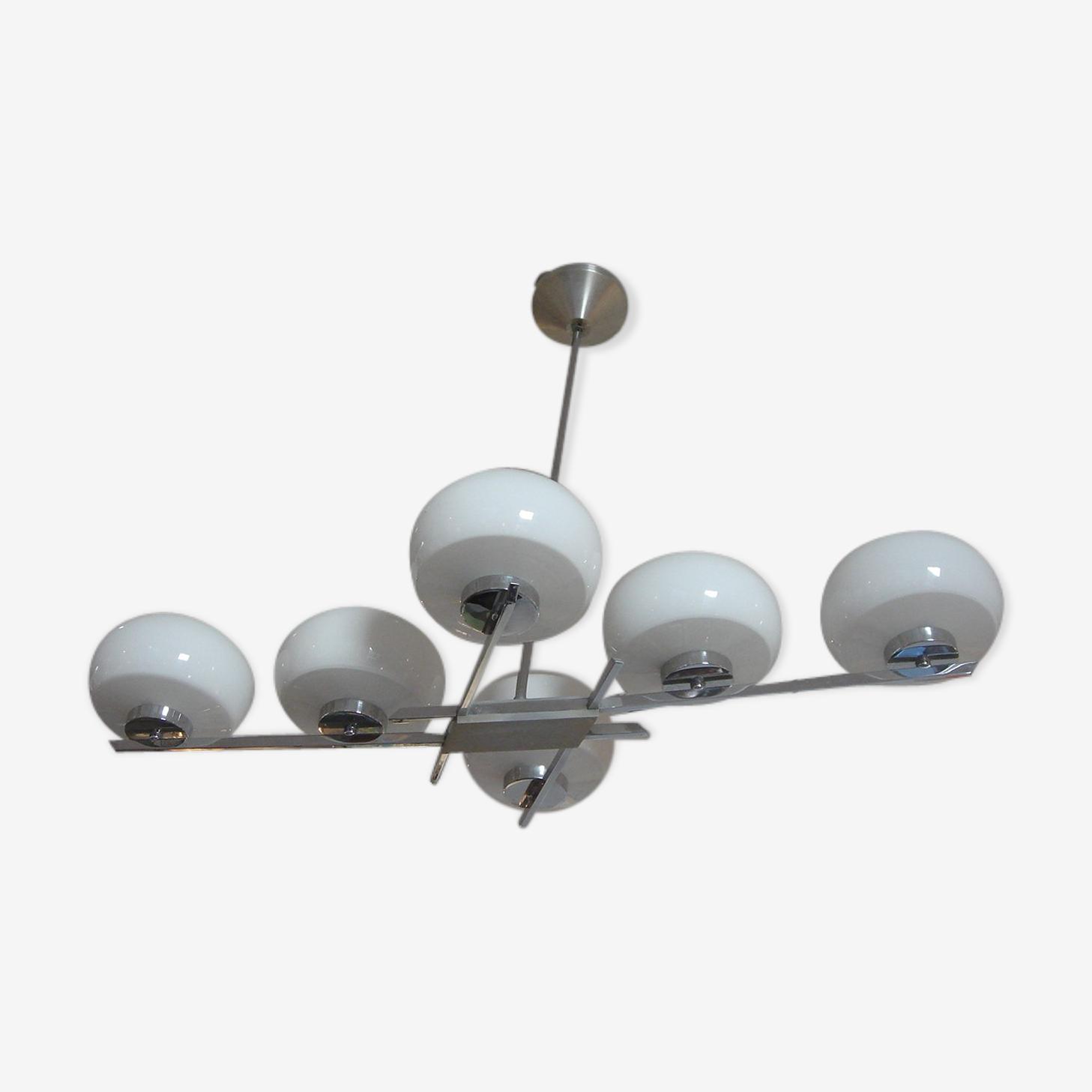 Lustre plafonnier en chrome & 6 opalines blanches de 1960
