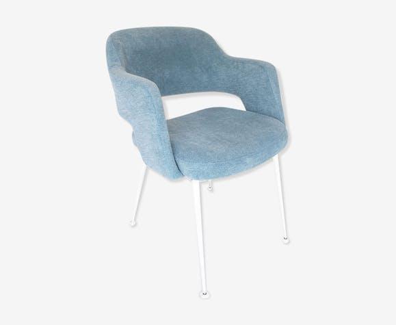 Fauteuil bleu ciel pieds métal blanc | Selency