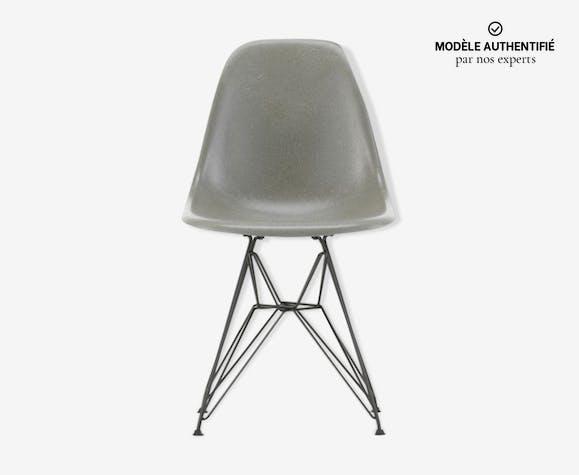 Vitra - Eames Fiberglass Chair DSR Raw Umber - Charles & Ray Eames, 1950