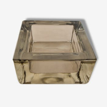 Empty pocket smoked glass