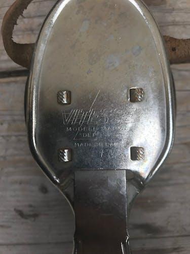 Ancienne paire de patins à roulettes
