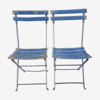 Pair of old, folding garden chairs
