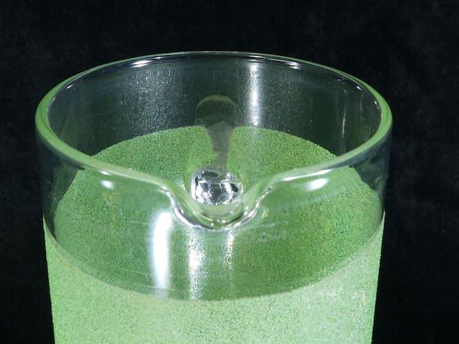 Pichet carafe a orangeade vintage années 50 en verre granité