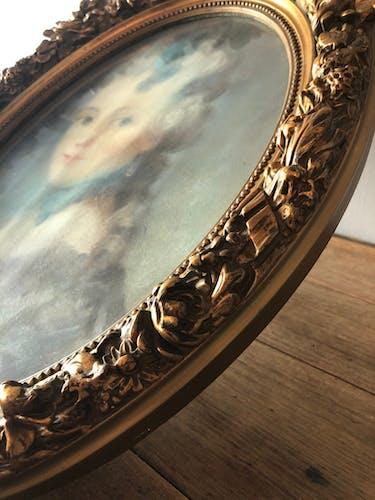 Portrait au pastel cadre médaillon