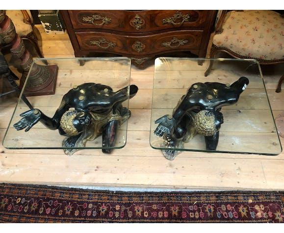 Paire de tables basse nubien en bois peint et doré