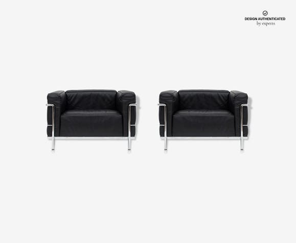 Pair of black LC3 Poltrona chairs of Le Corbusier for Cassina 1965 ...