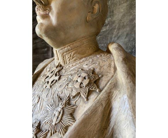 Buste en plâtre par August Albo 1933