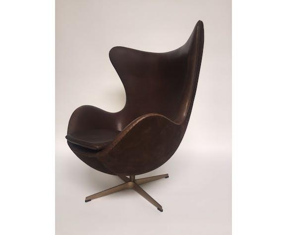 Golden Egg Chair Arne Jacobsen Fritz Hansen Selency