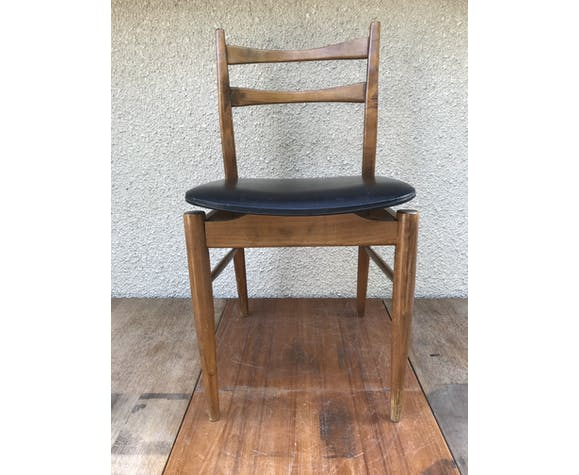 Former Scandinavian chair in teak wood with compass feet and skaï black vintage cover