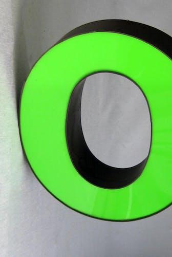 Letter 0 neon