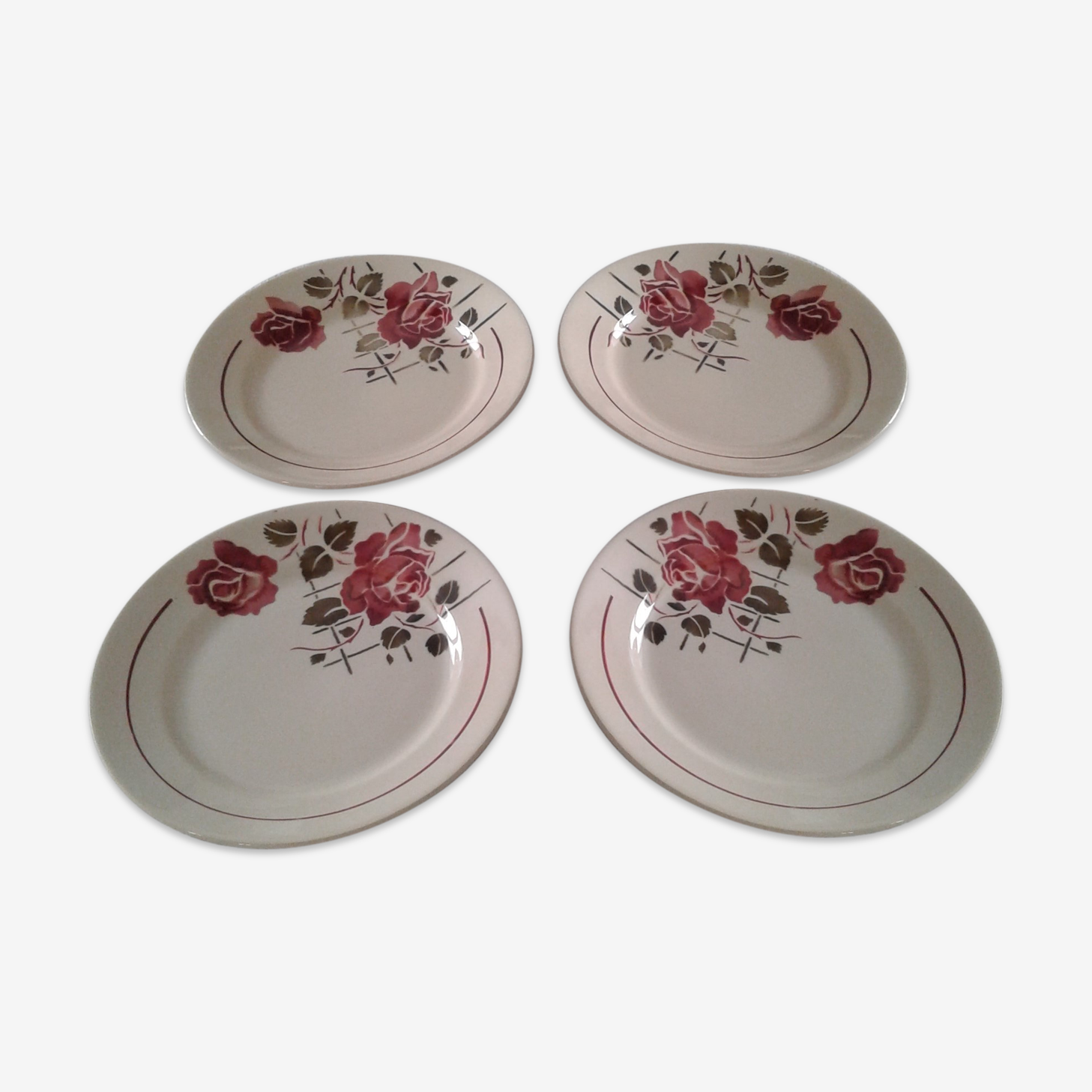 Lot de 4 assiettes à dessert motif de roses Badonviller