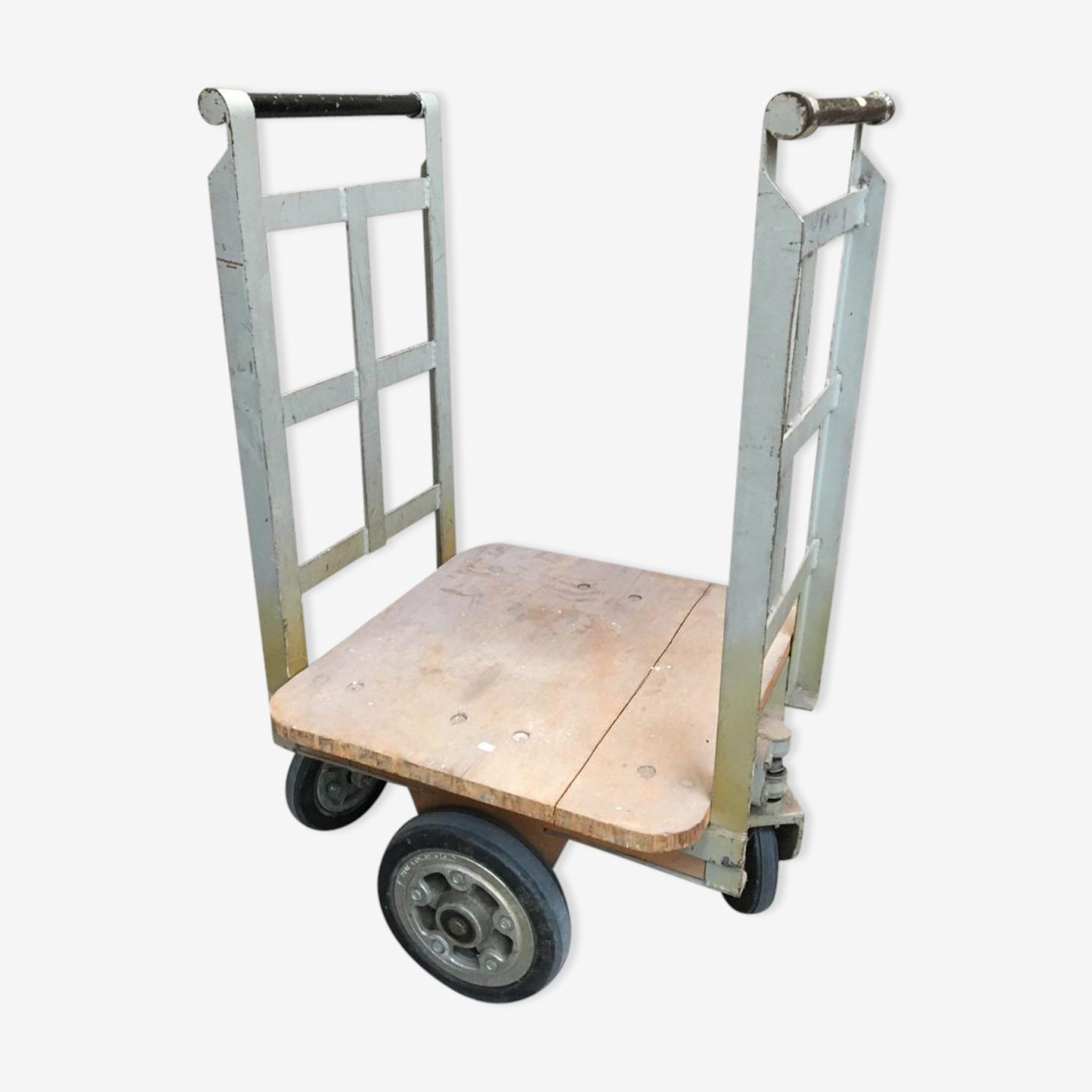 Anciens chariots à lingots de la banque de france