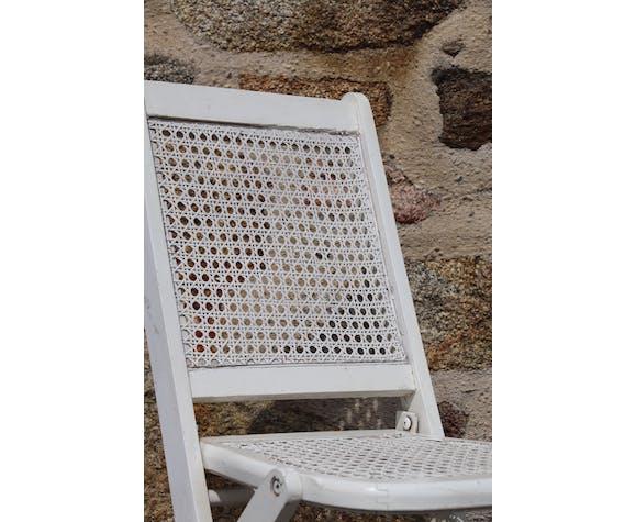 Chaise blanche pliante cannée