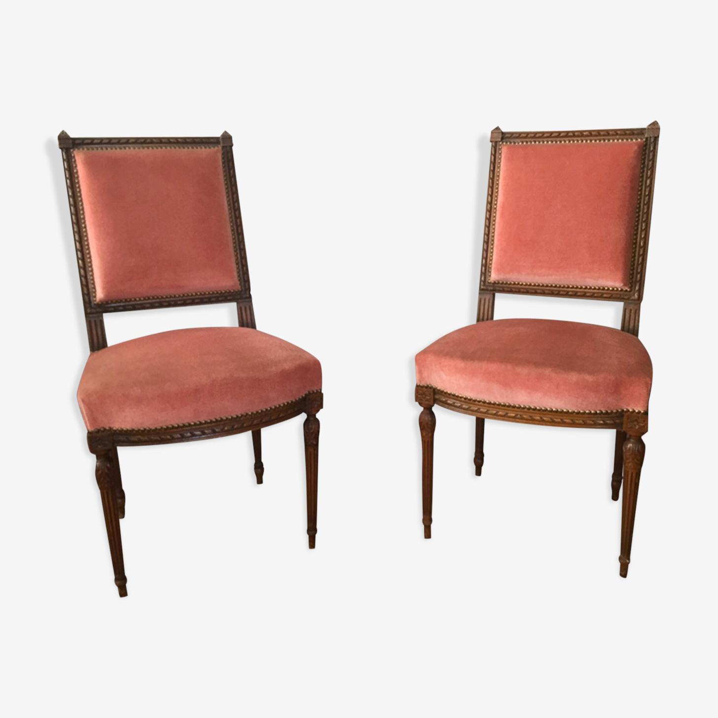 Paire de chaises de style Louis XVI velours