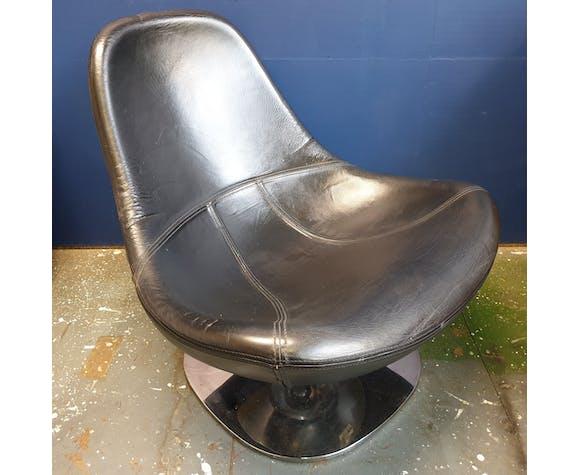 Tirup Egg armchair by Carl Ojerstam for