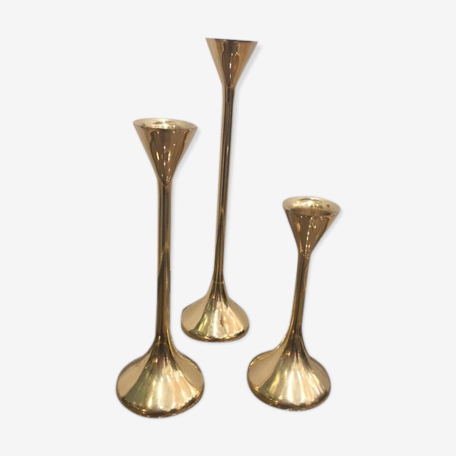 Trio de bougeoirs en laiton doré