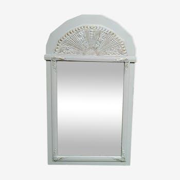 Miroir sculpté patiné blanc et doré