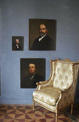 Huile signée  1885, 70,5x60,5cm