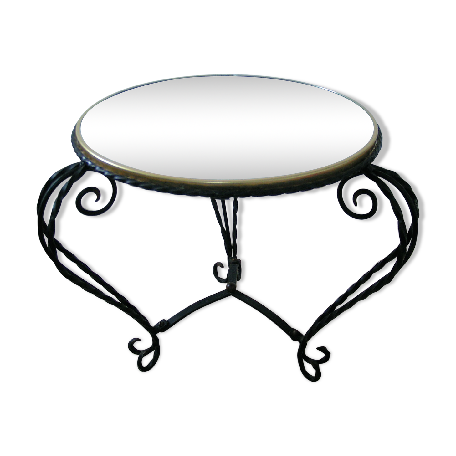table basse ronde originale fabulous table basse faire appel table basse ronde blanche et verre. Black Bedroom Furniture Sets. Home Design Ideas