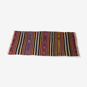 Also carpets woven by hand with great color - 226 x 92 cm