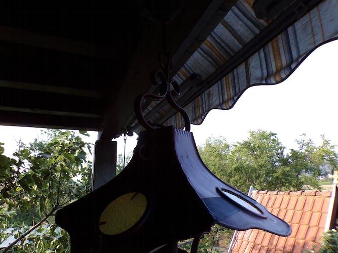 Suspension metal
