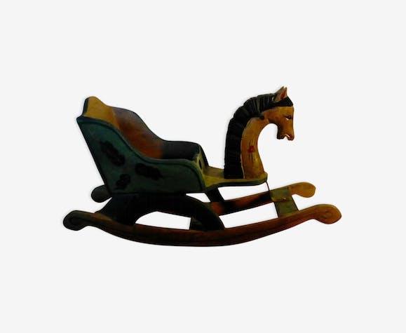 Cheval à bascule traineau jouet d'enfant en bois