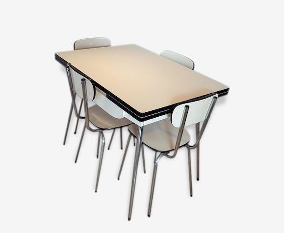 ensemble table et chaises de cuisine formica formica. Black Bedroom Furniture Sets. Home Design Ideas