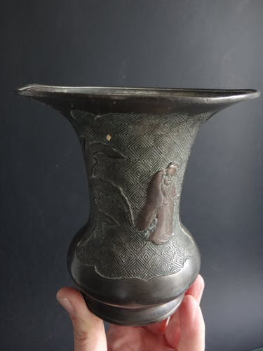 Ancien vase balustre chinois bronze cornet immortels Chine XIX