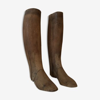 Rare has boots wooden shoe