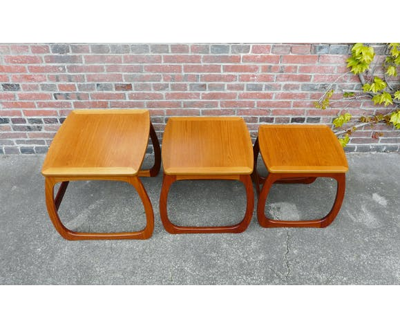 Tables basses gigognes scandinaves en teck