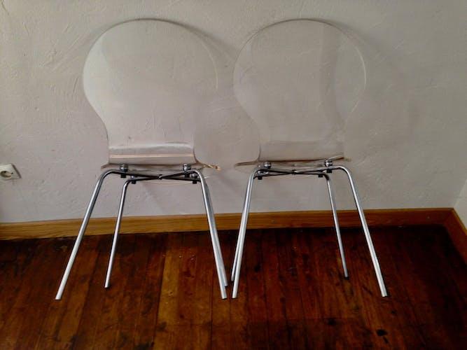 Duo de chaises en plexiglas vintage