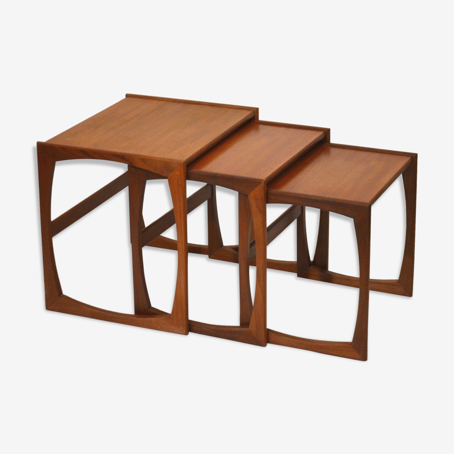 Série de tables basses gigognes en teck GPlan