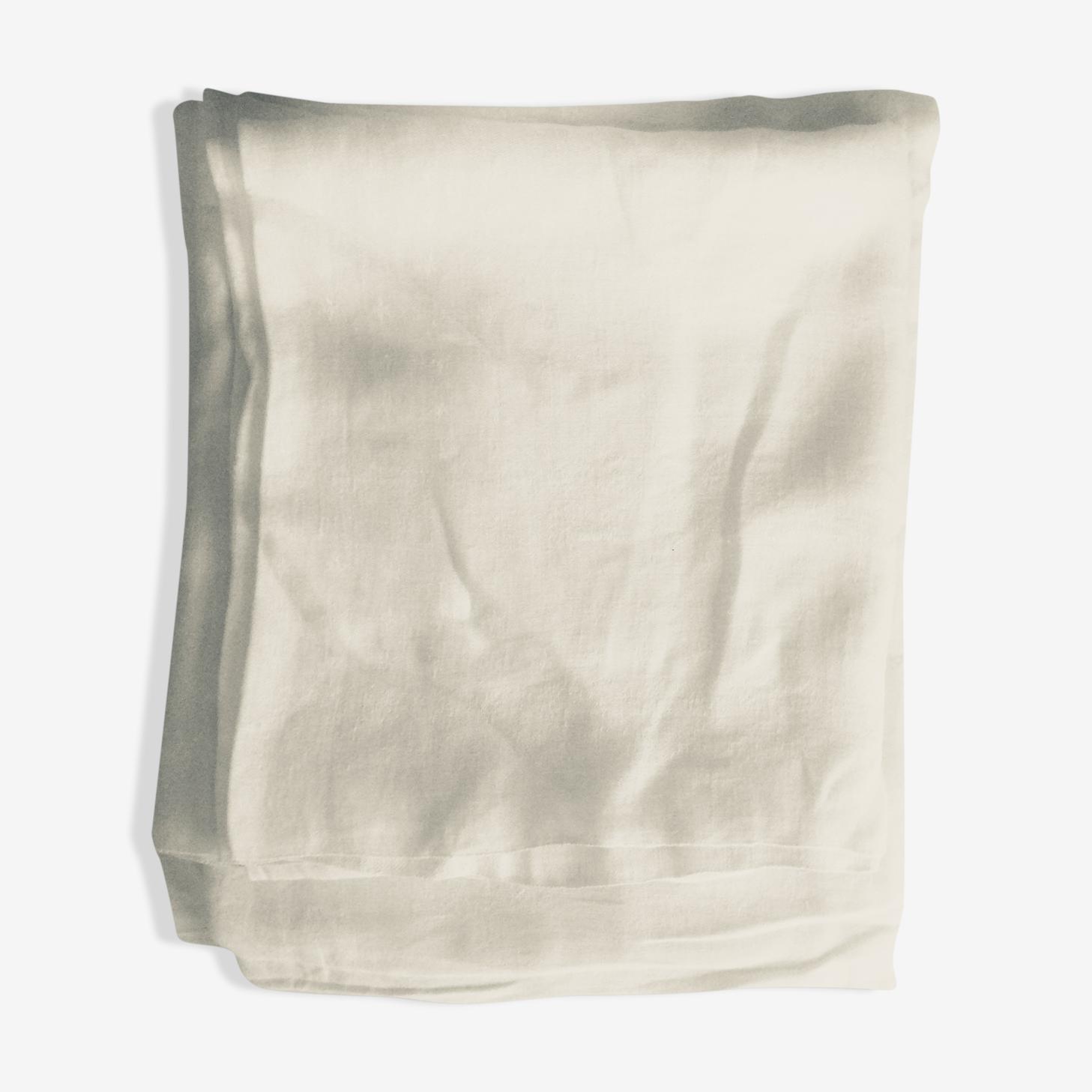2 tablecloths