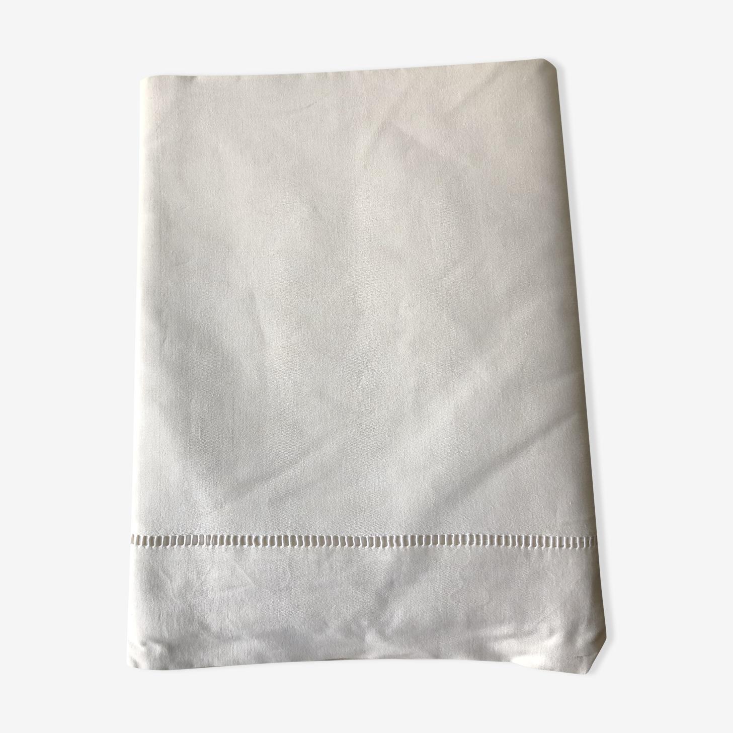 Drap en coton ancien ajouré