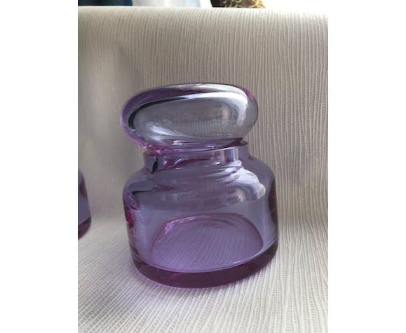 Paire de bocaux en verre violet