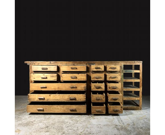 Former workbench, 17 drawers and shelves